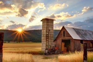image of barn at sunrise